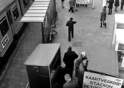 Bus tickets for transport to the stadium are sold in the hall of the Central Station, November 18, 1973, Amsterdam (Photo: National Archives of the Netherlands / Anefo)