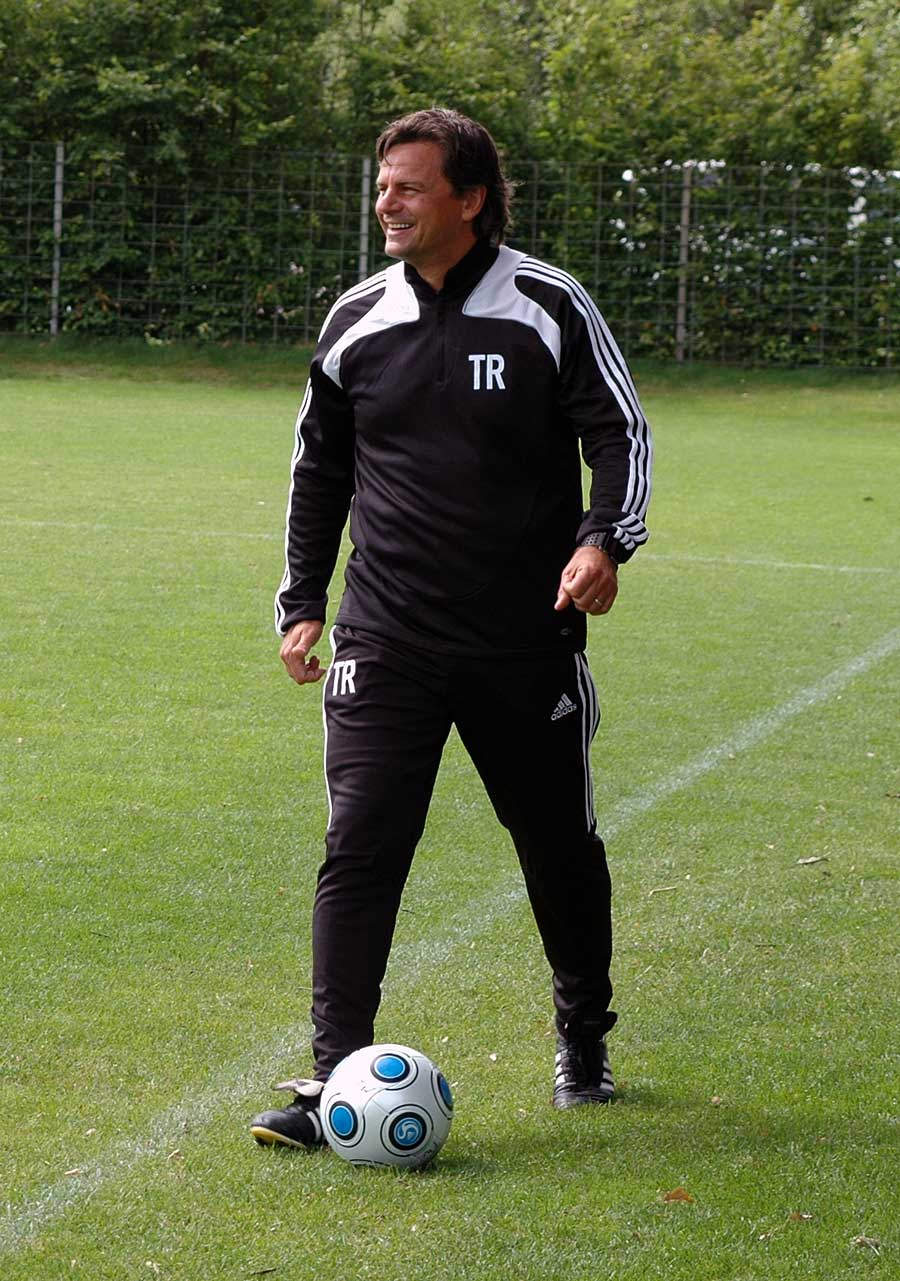 Falko Götz on the training pitch, 2009