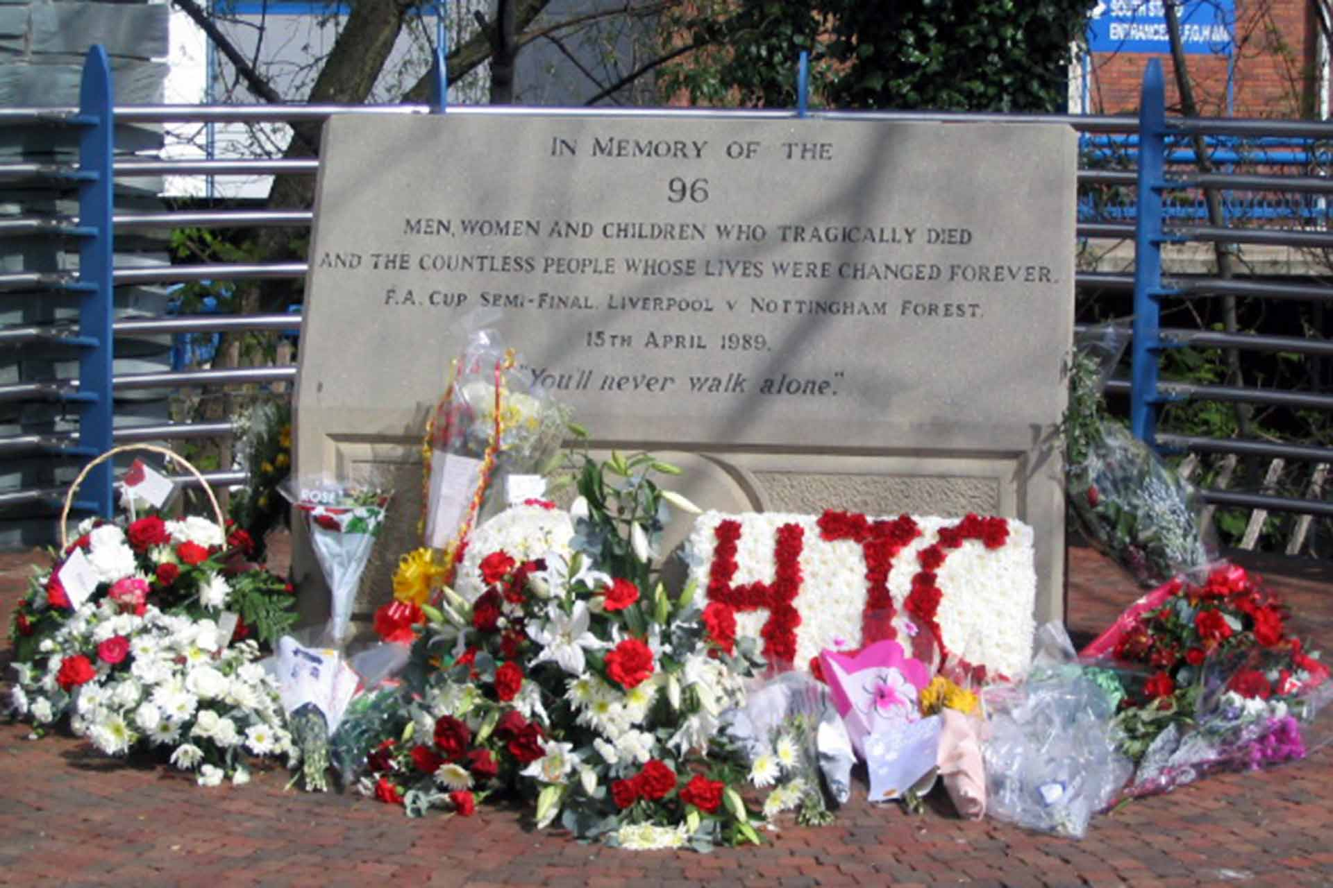 "The Hillsborough memorial, dedicated to the 96 victims of the 1989 ""Hillsborough Disaster"" (Photo: Dave Pickersgill / Hillsborough Memorial / CC BY-SA 2.0 / Wikimedia Commons)."