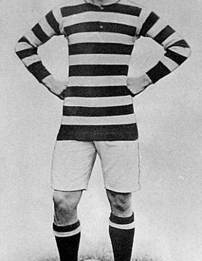 Donald Bell in the kit of Bradford Park Avenue in 1914.